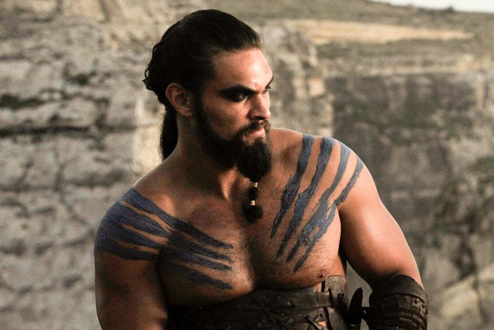 Jason Momoa jako Khal Drogo