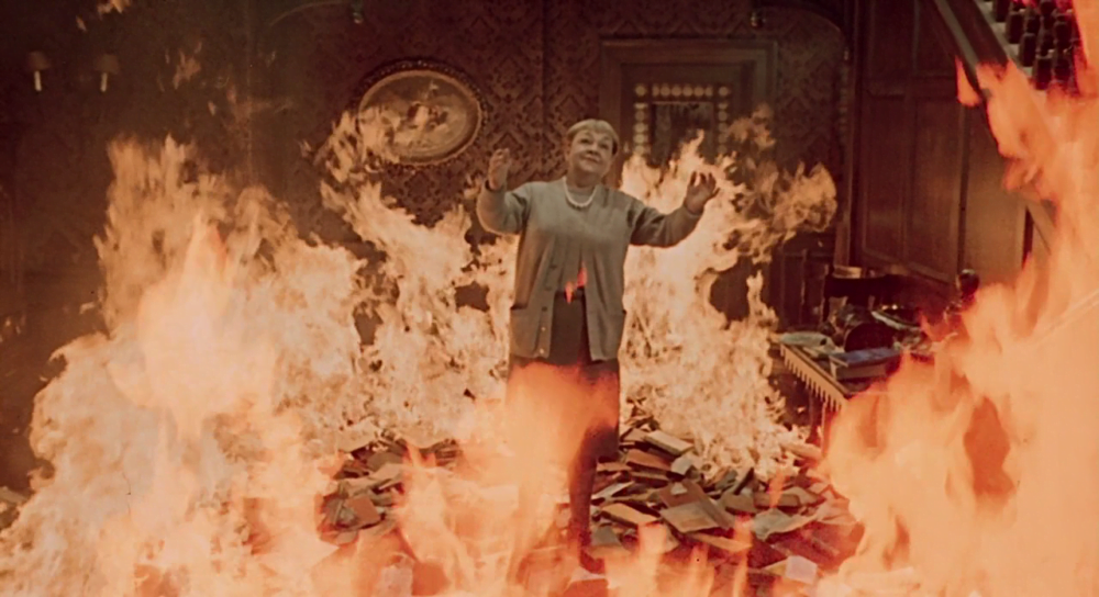Starsza kobieta w Fahrenheit 451