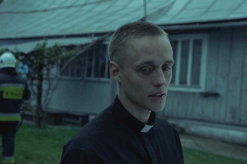 Bartosz Bielenia w filmie Boże Ciało / fot. materiały prasowe