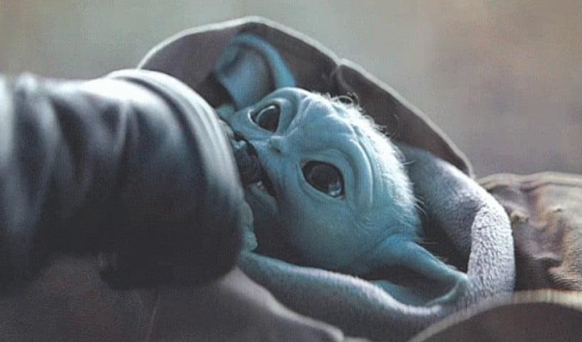 baby yoda ugryzł szturmowca w palec