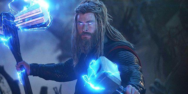 Thor podczas walki z Thanosem