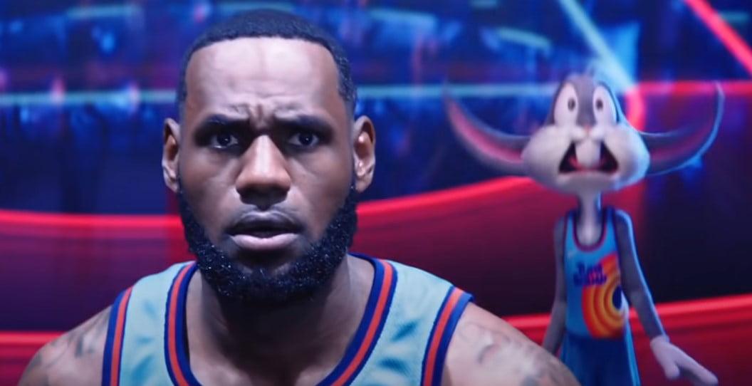 kosmiczny mecz 2 scena koszykarz